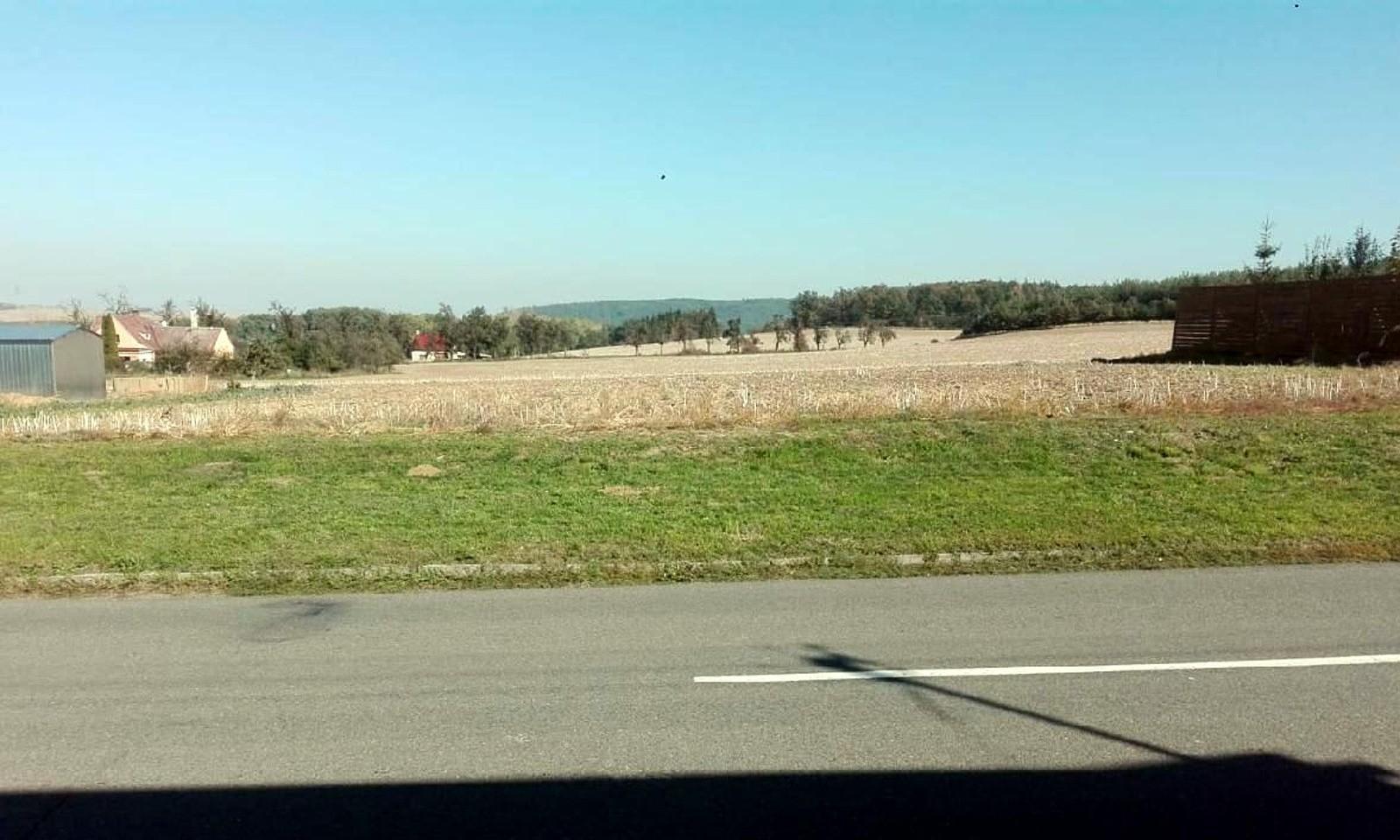 Prodej Pozemek Hluchov